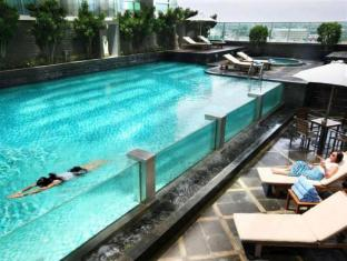 Grand Swiss-Belhotel Medan Medan - Swimming Pool