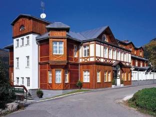 /hotel-sne-ka/hotel/spindleruv-mlyn-cz.html?asq=vrkGgIUsL%2bbahMd1T3QaFc8vtOD6pz9C2Mlrix6aGww%3d