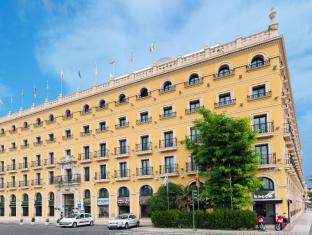 /sv-se/tryp-sevilla-macarena-hotel/hotel/seville-es.html?asq=vrkGgIUsL%2bbahMd1T3QaFc8vtOD6pz9C2Mlrix6aGww%3d