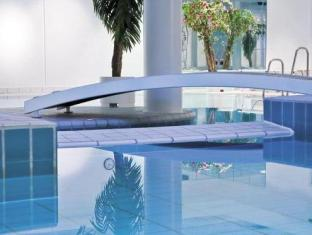 Park Inn By Radisson Copenhagen Airport Copenhagen - Swimming Pool