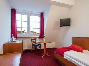 Hotel Lindenufer Berlin - Guest Room