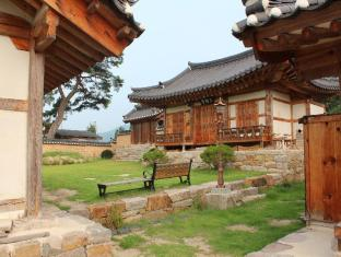 /ongye-jongtaek-hanok/hotel/andong-si-kr.html?asq=jGXBHFvRg5Z51Emf%2fbXG4w%3d%3d