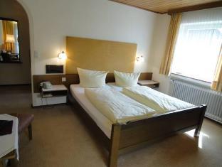 /hotel-garni-brunnthaler/hotel/garmisch-partenkirchen-de.html?asq=jGXBHFvRg5Z51Emf%2fbXG4w%3d%3d