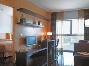 에스페리아 피라 스위트 호텔