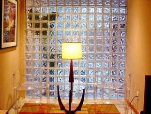 /hotel-champlain/hotel/quebec-city-qc-ca.html?asq=jGXBHFvRg5Z51Emf%2fbXG4w%3d%3d