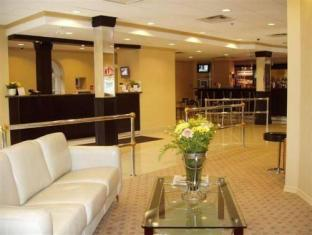 /ro-ro/isabella-hotel-suites/hotel/toronto-on-ca.html?asq=jGXBHFvRg5Z51Emf%2fbXG4w%3d%3d