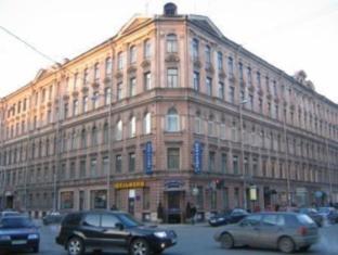 /b-b-rinaldi-poetic/hotel/saint-petersburg-ru.html?asq=5VS4rPxIcpCoBEKGzfKvtBRhyPmehrph%2bgkt1T159fjNrXDlbKdjXCz25qsfVmYT