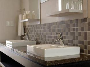 New Kings Hotel Cape Town - Bathroom