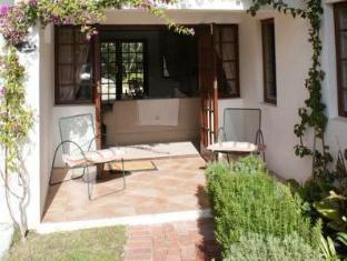 WedgeView Country House and Spa Stellenbosch - Parveke/Terassi