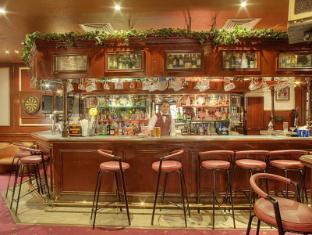 Al Diar Dana Hotel Abu Dhabi - Trap Bar