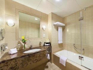 Al Manzel Hotel Apartments Abu Dhabi - Bathroom