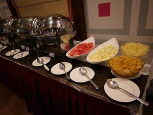 Tulip Hotel Apartments Dubai - Eten en drinken