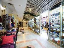 Al Seef Hotel: shops