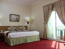 Al Seef Hotel: guest room