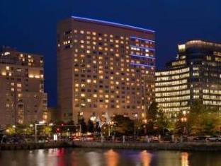 /renaissance-boston-waterfront-hotel/hotel/boston-ma-us.html?asq=5VS4rPxIcpCoBEKGzfKvtBRhyPmehrph%2bgkt1T159fjNrXDlbKdjXCz25qsfVmYT