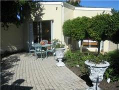 Navona Constantia Guest Cottage | Cheap Hotels in Cape Town South Africa