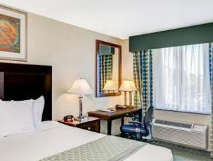Ramada Queens New York (NY) - Guest Room