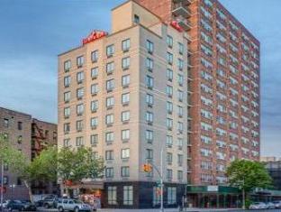 Ramada Queens New York (NY) - Exterior