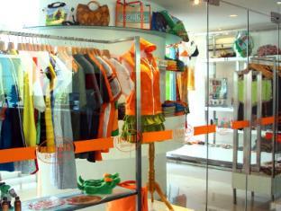HARRIS Hotel & Residences Riverview Kuta Bali - Boutique