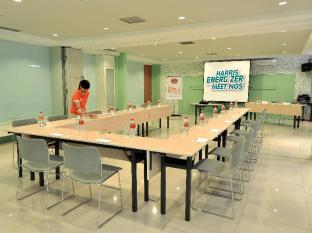 HARRIS Hotel & Residences Riverview Kuta Bali - Meeting Room