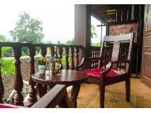 The View Pavilion Hotel: balcony/terrace