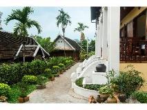 The View Pavilion Hotel: garden