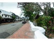 The View Pavilion Hotel: surroundings