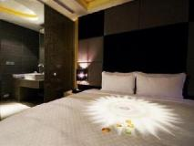 Hotel Eight Zone: guest room