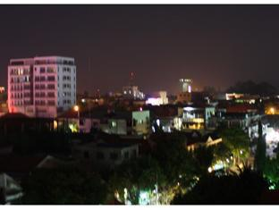 Aqua Boutique Guesthouse Phnom Penh - Eastern view Night