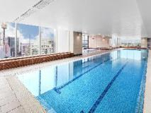 Meriton Serviced Apartments World Tower: swimming pool