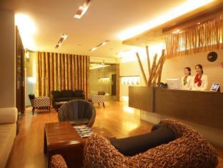 Bamboo House Phuket Hotel Пхукет - Рецепція