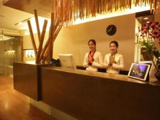 Bamboo House Phuket Hotel Пукет - Рецепция