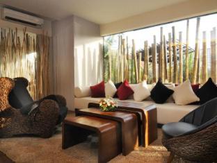 Bamboo House Phuket Hotel Пхукет - Фойє