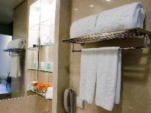 Empire Hotel Causeway Bay: bathroom