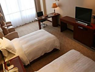 Cypress Garden Hotel Shanghai - Guest Room
