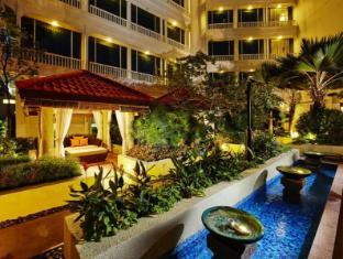 Park Hotel Clarke Quay Singapore - Private Cabanas