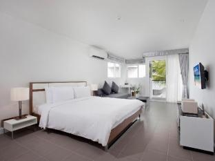 The Sea Patong Hotel Phuket - Deluxe One Bedroom