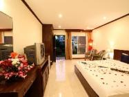 Deluxe Poolside Villa