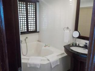 Boracay Mandarin Island Hotel Boracay Island - Mandarin Grand Suite Bathroom