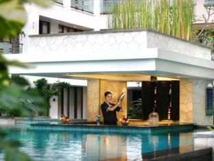 Aston Kuta Hotel and Residence Bali - Swimming Pool
