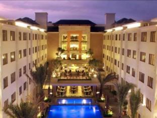 阿斯頓庫塔飯店