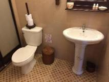 Avalon Hotel: bathroom