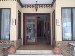 Avalon Hotel Vientiane - Entrance