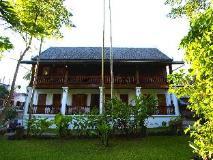 Villa Chitdara: villa chitdara back garden