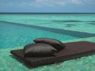 Shangri-La's Villingili Resort & Spa Maldives Islands - Beach