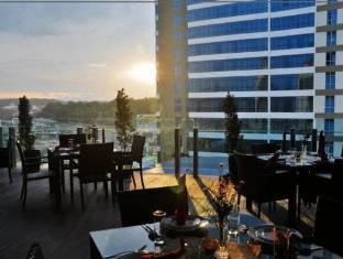 Courtyard Hotel Kota Kinabalu - Balcony/Terrace