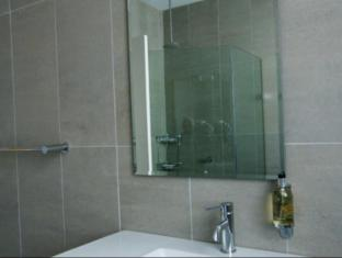 Dive Hotel Coogee Beach Sydney - Bathroom