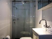 Springfield Lodge: bathroom