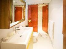 CHI Residences 279: bathroom