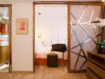 CHI Residences 279: guest room